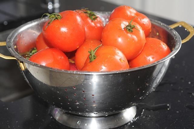 tomatoes-620383_640